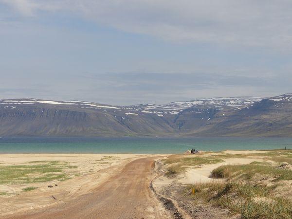 Route en terre en Islande