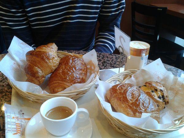 Petit déjeuner français à Kanazawa